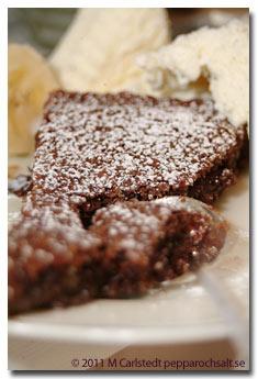 baka med mandelmassa och choklad